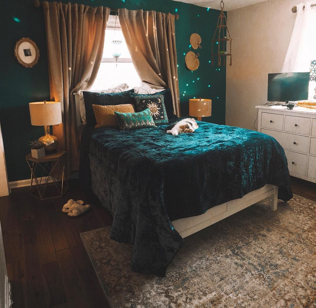On Instagram Harry Potter Bed Or 2019 Sabrina The Teenage Witch Bed Either Way Winn Blue Bedroom Walls Dreamy Bedrooms Guest Bedroom Design