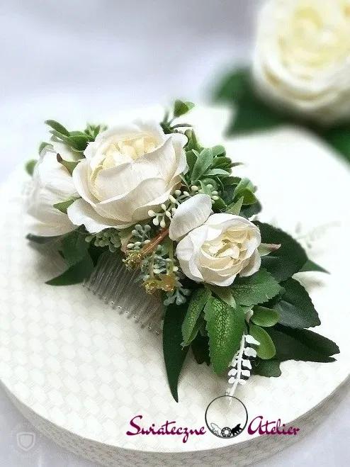 Stroik Slubny Grzebien Do Wlosow W Bieli Swiateczne Atelier Floral Rings Floral Flowers