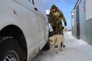 Ситуація в контрольних пунктах в'їзду-виїзду на лінії розмежування http://dpsu.gov.ua/ua/news/1488523137-situaciya-v-kontrolnih-punktah-vizdu-viizdu-na-linii-rozmezhuvannya  В контрольних пунктах в'їзду-виїзду, що на лінії розмежування в районі проведення АТО, сьогодні зранку на в'їзд та виїзд знаходилося така кількість  транспортних засобів:
