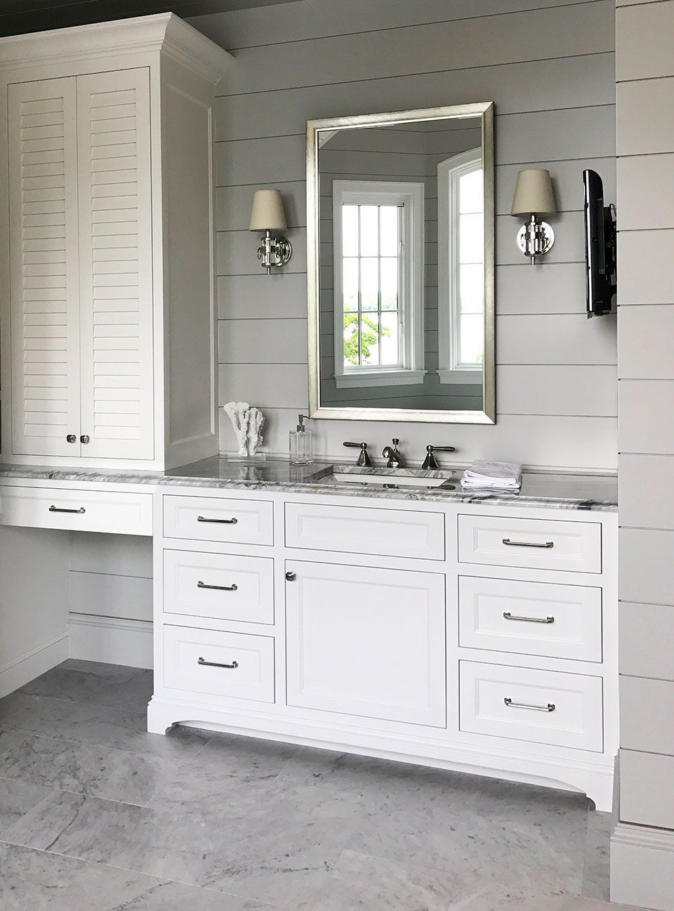 10 Creative Ways to Decorate With Shiplap | Bathroom Ideas ...