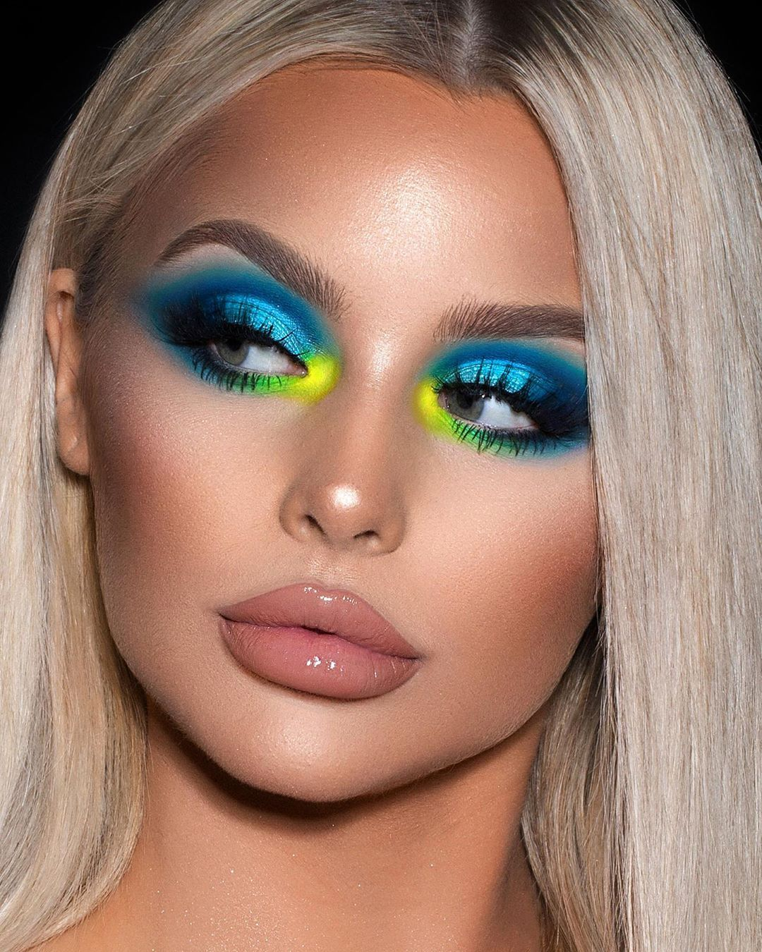 """Brookelle McKenzie's Instagram post: """"🦋🐠🧩🌠 / violet voss / @snapsstudio / @shopvioletvoss bright vibes palette ✨🦋 this was fun  ive been such a busy bee recently. ive had to…"""""""
