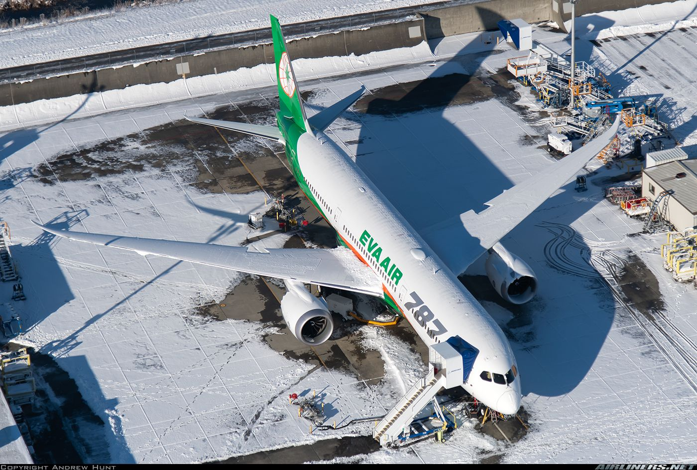 Boeing 7879 Dreamliner EVA Air Aviation Photo