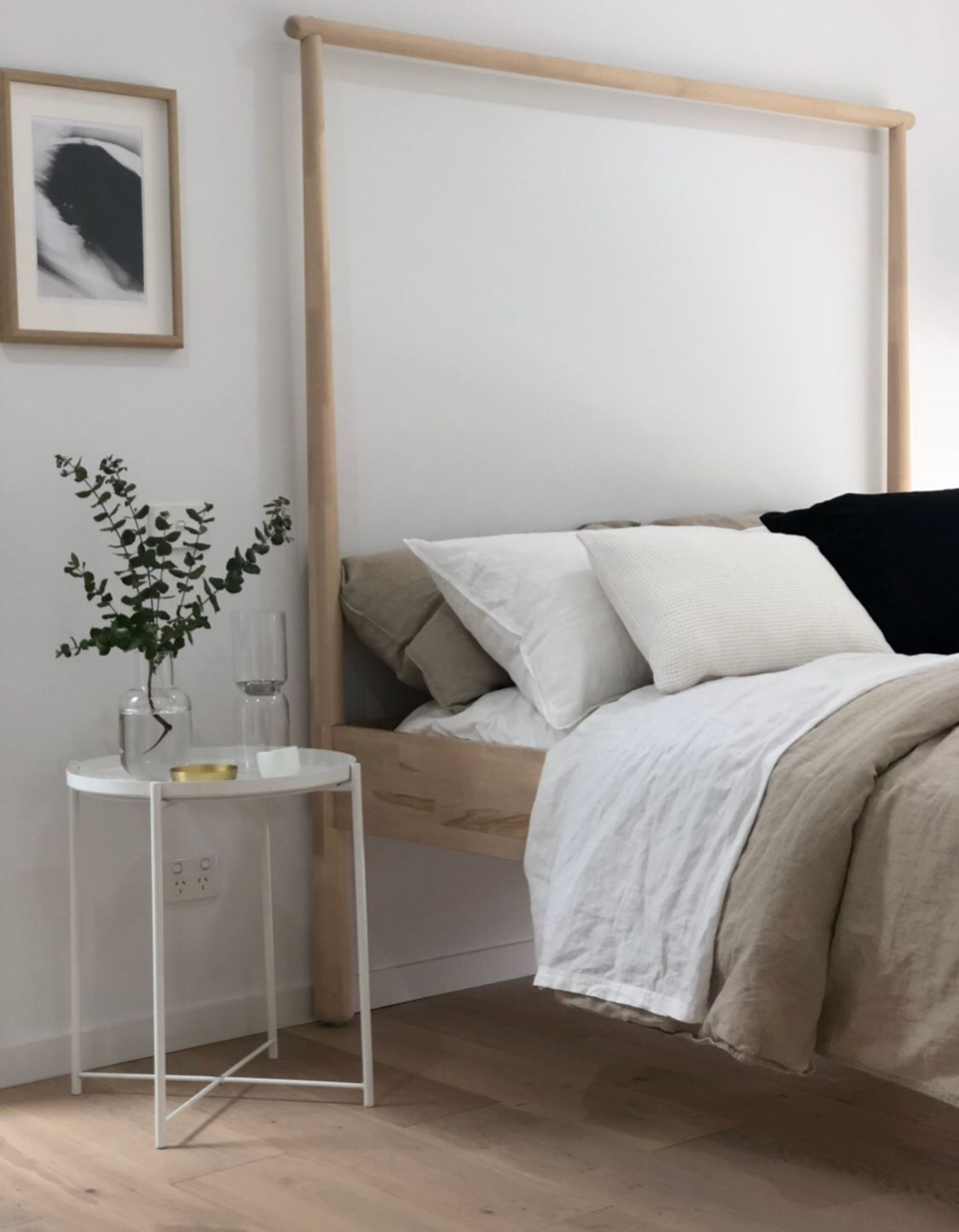 Bed inspiration | Minimalist bedroom, Minimalist bed ...
