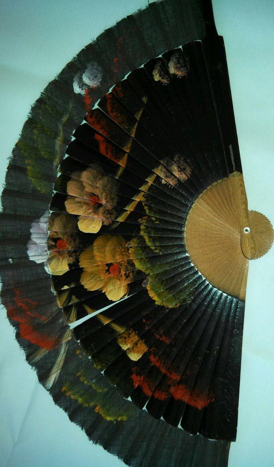 Hand Painted Hand Fan,,,,,,,,,,,,,http://www.pinterest.com/pluengolinares/ol%C3%A9-ol%C3%A9-y-ol%C3%A9/