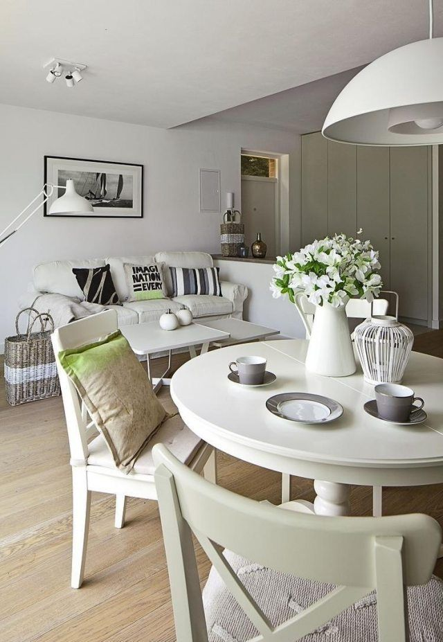 kleines wohnzimmer essecke landhausstil weiß ecru möbel Living