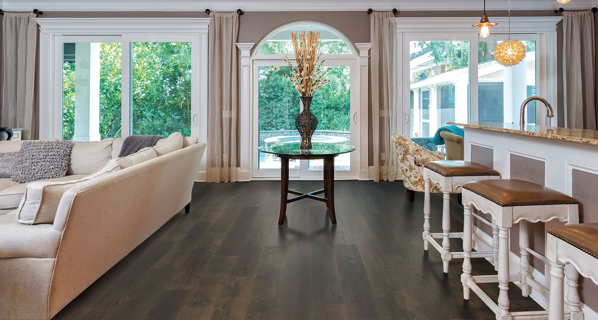 Gatehouse Oak Laminate Flooring From Pergo Adds Amazing Character To Any Room Exquisite Knots And Graining Give These Floors A Truly Custom Look