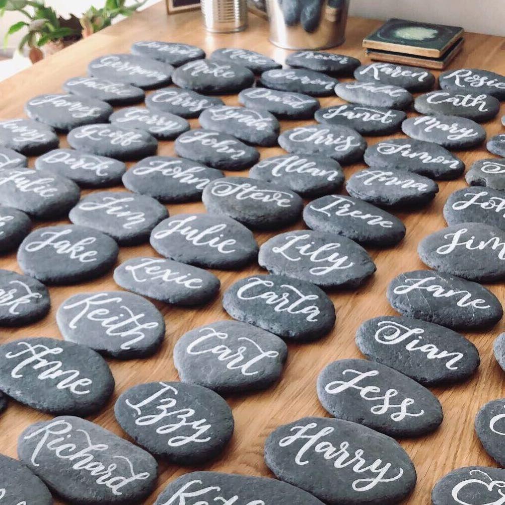 Rock-Chic! Hochzeitsinspirationen in Grau und Schwarz #hochzeitsdeko