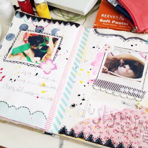 Journalling with @Jenny Holiday of Everyday is a Holiday    Sunday #journal #journalling #pages #paint #painting #mixedmedia #cats #pastels #pastel #pasteloftheday, via Flickr.