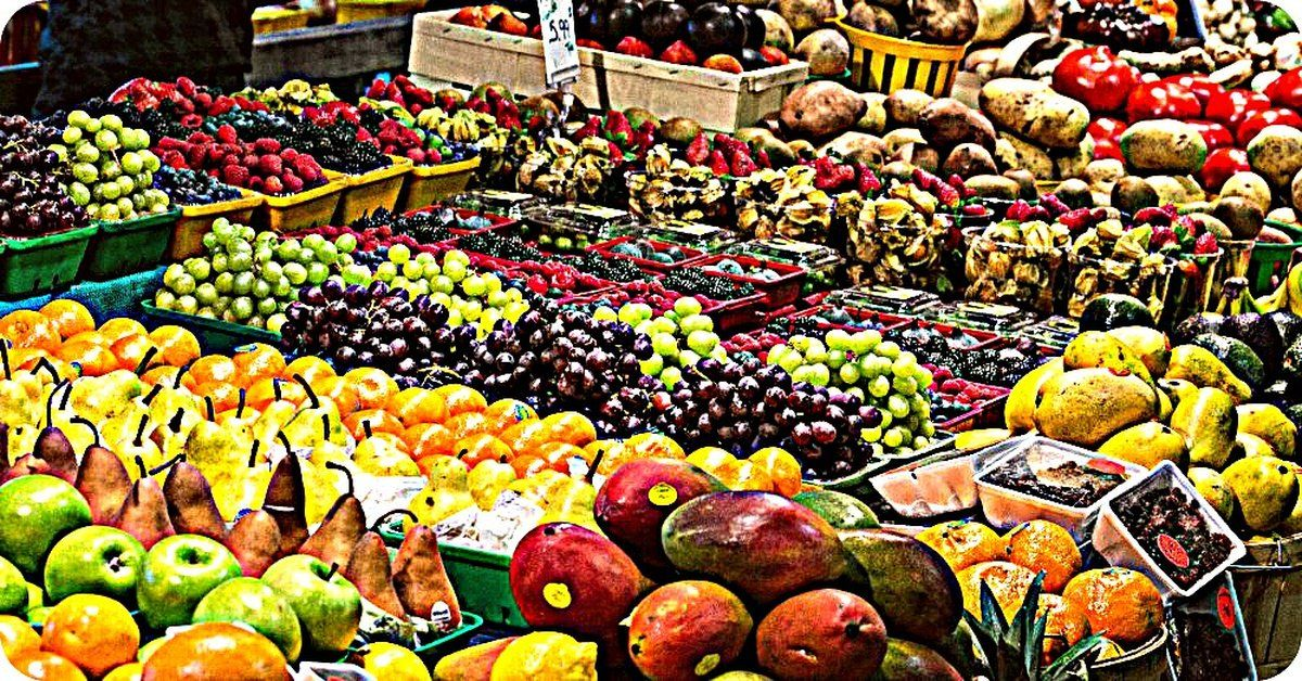 The Ultimate Guide to Buying Fruits and Veggies In Season