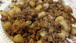Ground Beef and Potatoes (Oh so Simple!) images