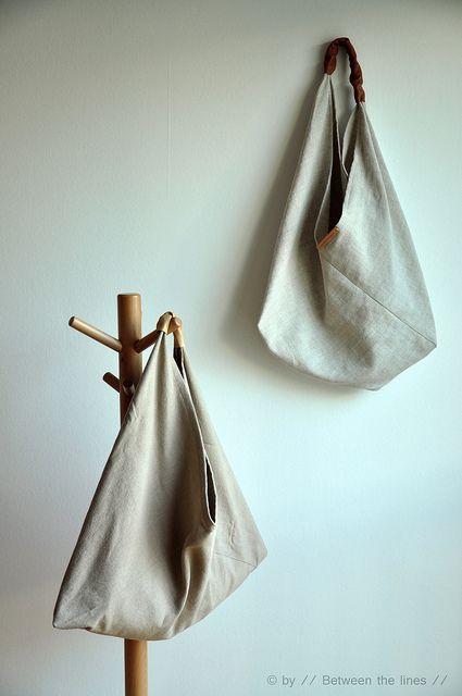 f960bb5e9 Triangle bag :: a tutorial | Boho bag | Diy bags, Origami bag ...