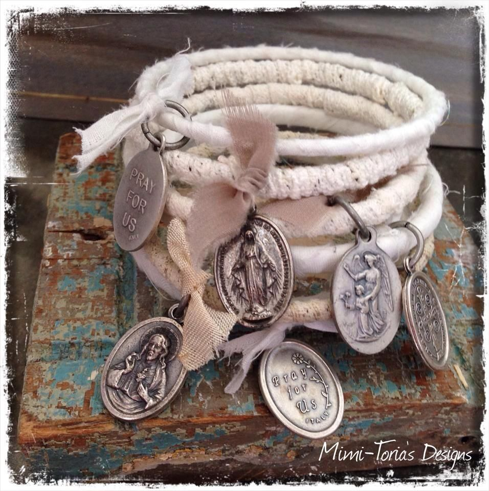 Love the look of the wrapped memory wire and the charms too