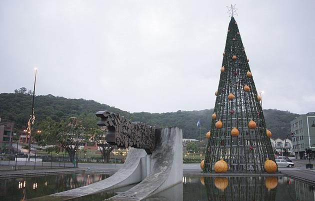 Arvores De Natal Pelo Mundo Santa Catarina Brasil Com Imagens
