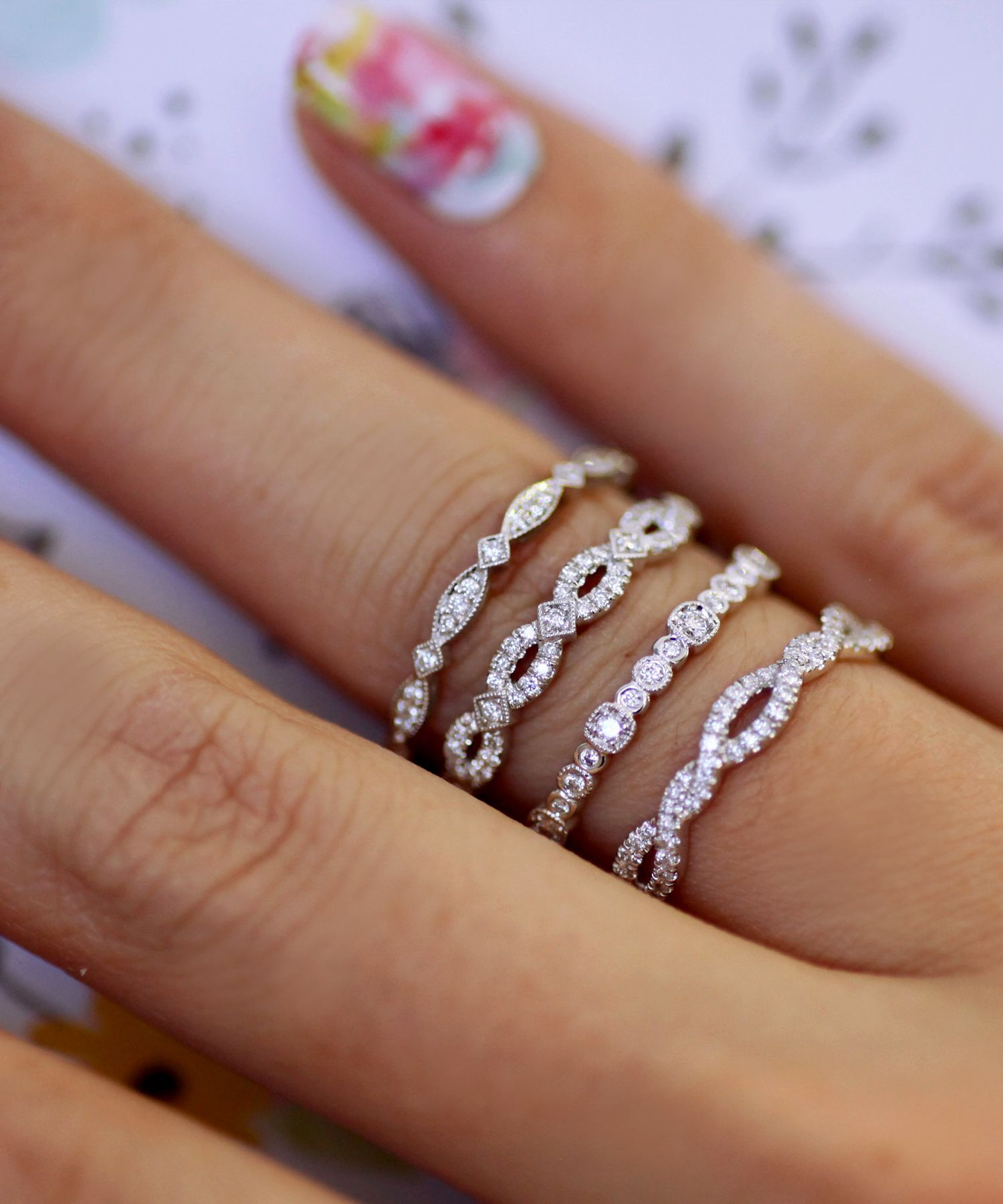 FASHION RING WC7023 Beautiful braided band featuring