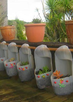 Cómo Hacer Macetas Colgantes Reciclando Botellas Pet Macetas Colgantes Plantas En Botellas Macetas Con Botellas