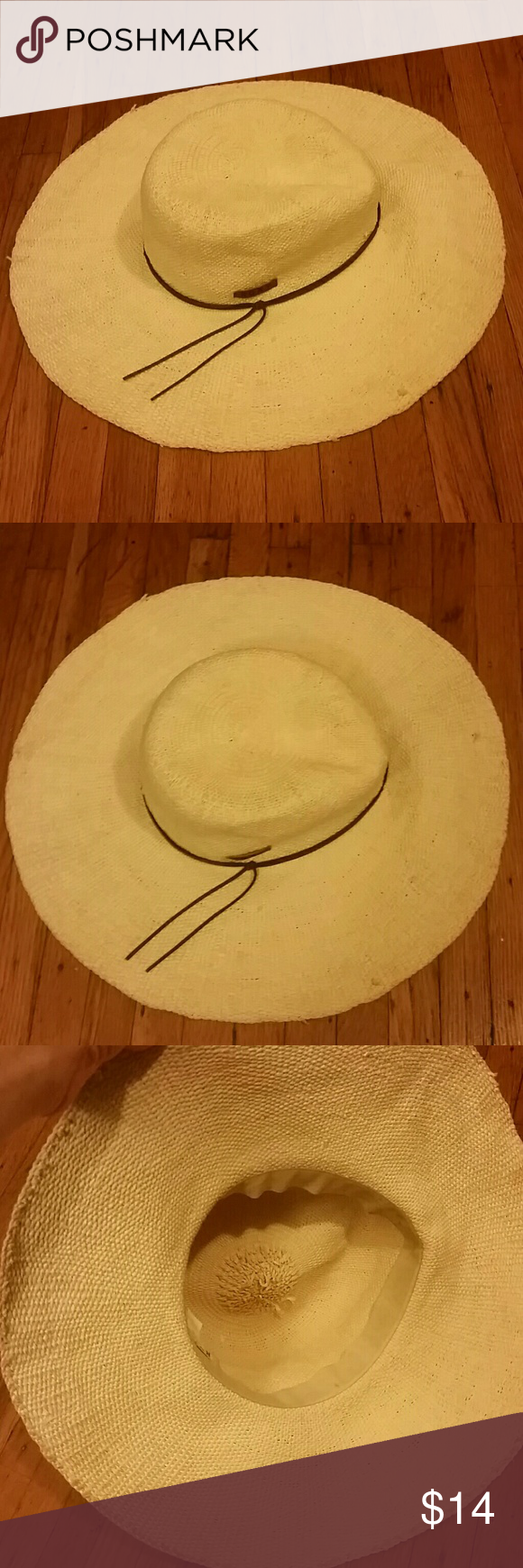 Roxy | straw estilo beach hat 100 % paper straw hat in light beige with roxy brand on side. One size fits all. Worn a few times, still excellent condition! Roxy Accessories Hats