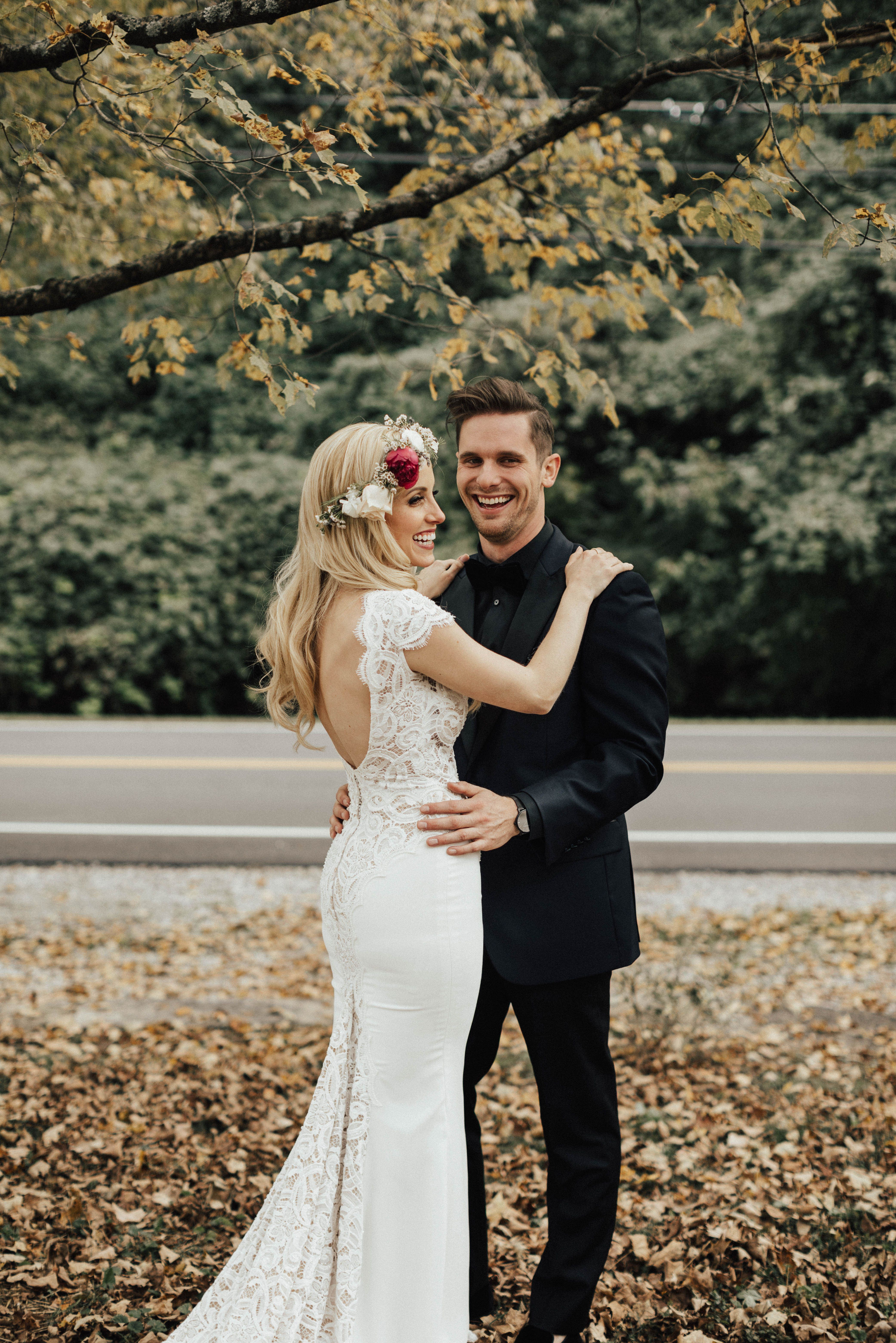 Autumn wedding dress ideas for a fall wedding drakewood farms
