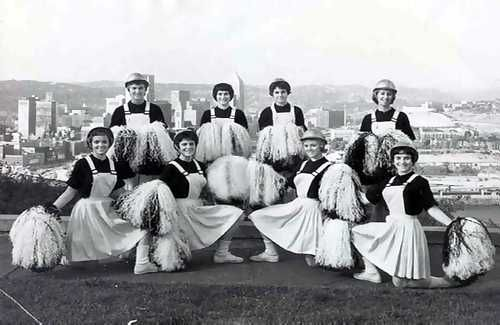 Cheerleading in the 30s - Watch the documentary 'The Truth Behind The Pompoms' - trailer on www.cheercoach.net