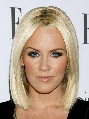 Coupe de cheveux carré blond platine