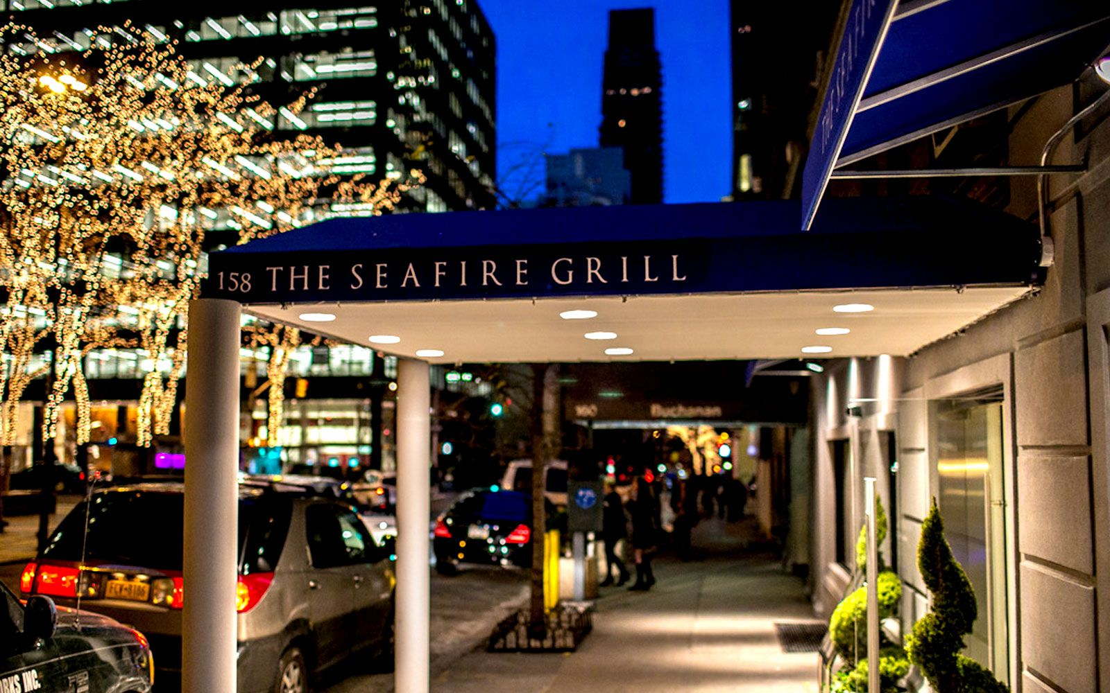The Sea Fire Grill Seafood Restaurants Nyc Midtown East Side