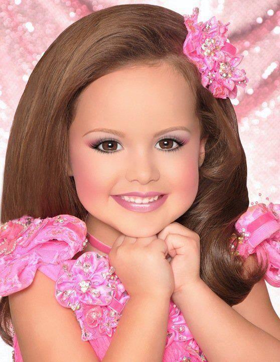 petite-beauty-pageants-naked-liz-ashley-pussy