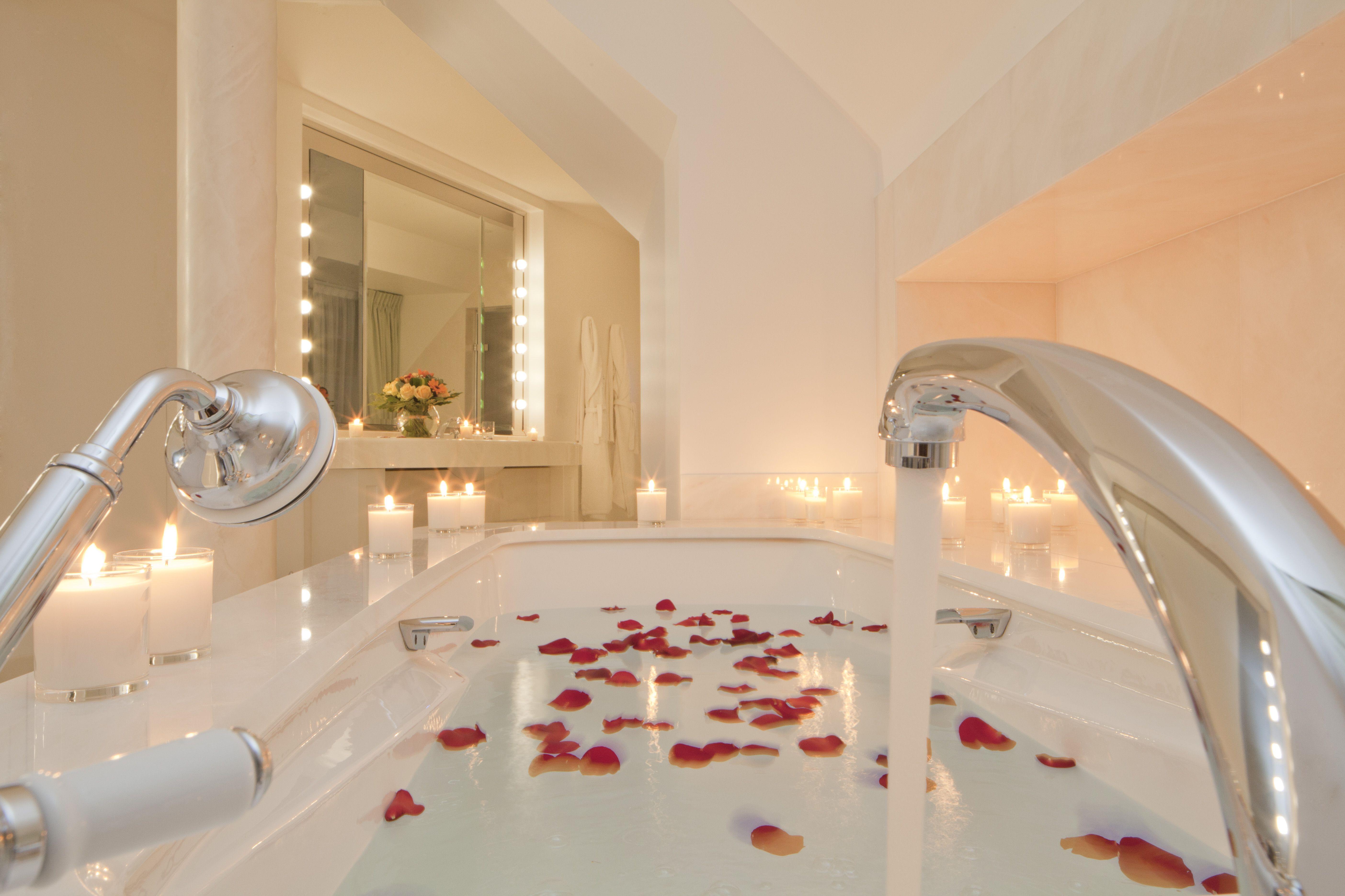 Honeymoon Suite At Hotel Le Bristol Paris