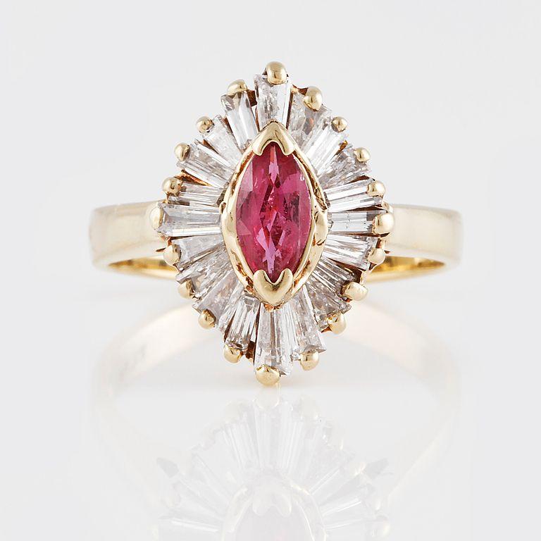 RING, 14K guld med rosa safir samt baguetteslipade diamanter ca 1.00 ct. Vikt 3,7 gram.