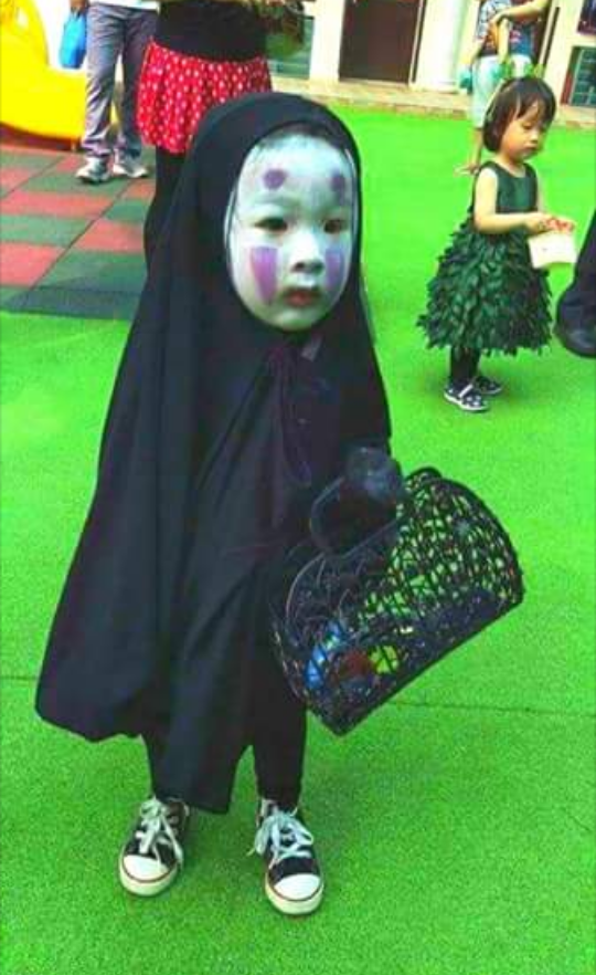 c54.png (540×882) No face costume, Funny Ghibli