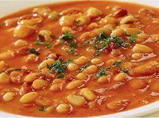 Fasolada (Vegetarian Greek Bean Soup)