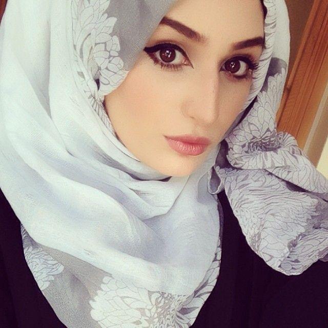 111111111 | Muslim beauty, Hijabi girl, Girl hijab