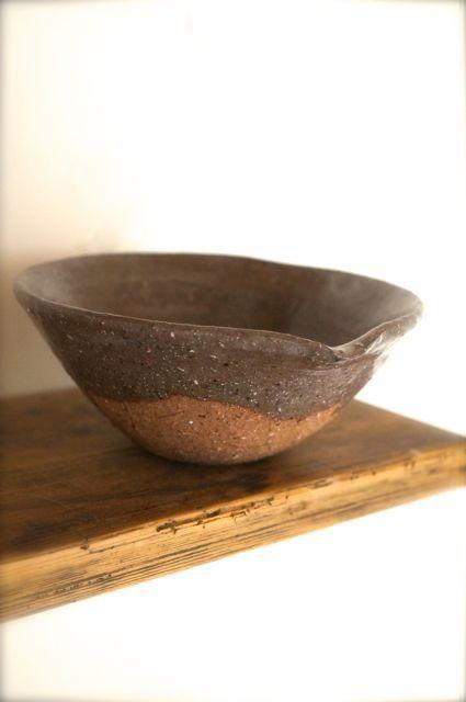 cocoa シリーズの大きめの深めの鉢です。テーブルの主役にどうぞ♪ほくほくの煮物を盛っていただいて食卓に。。使い勝手の良い大きさの鉢です。径16,2センチ ...|ハンドメイド、手作り、手仕事品の通販・販売・購入ならCreema。