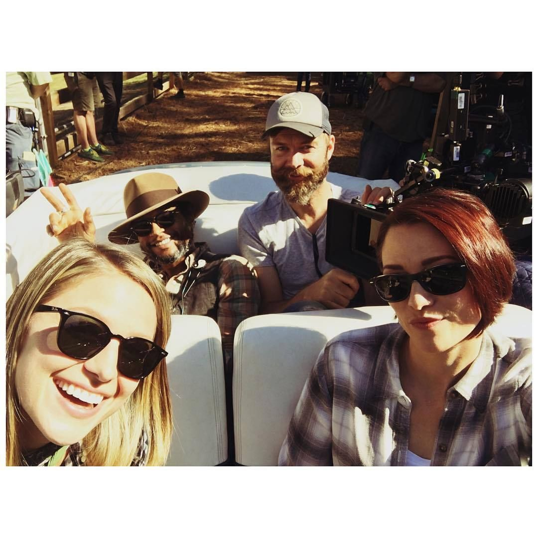 Melissabenoist A Director A Dp The Cool Girl And A Nerd Riding Off Into The Chy Leigh Robgreenlea Supergi Supergirl Tv Melissa Benoist Superhero Shows