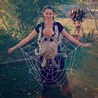 Tall Mom tiny baby Halloween Costumes For Families With A Baby  sc 1 st  Pinterest & Tall Mom tiny baby: Halloween Costumes For Families With A Baby ...