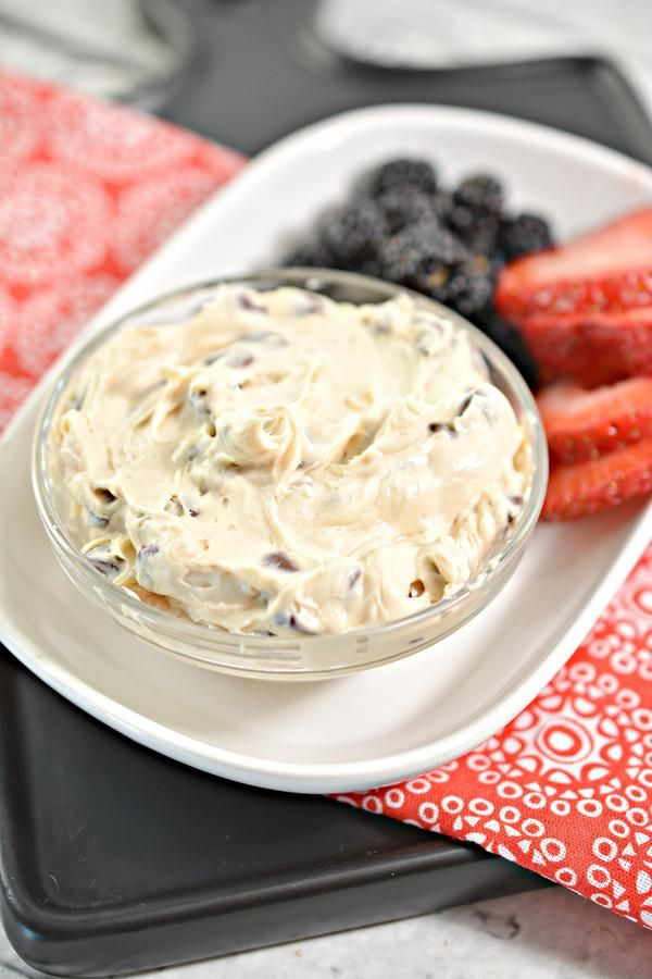 Keto Dip – EASY Low Carb Peanut Butter Chocolate Chip Dip Recipe – BEST Snack or Parties Dip Idea #chocolatechipdip