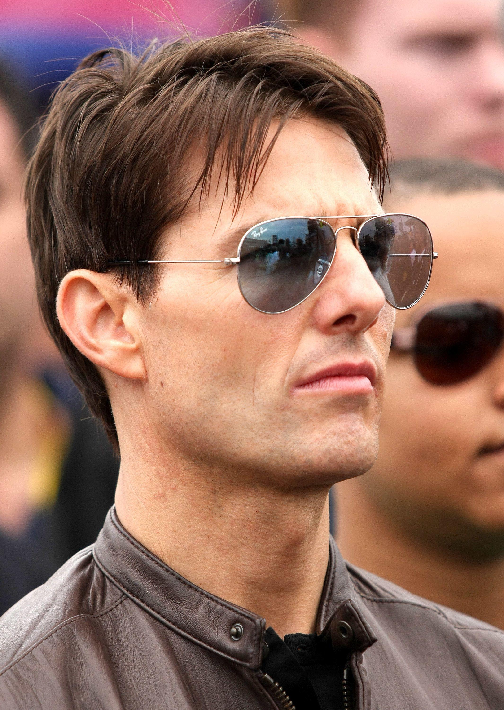 bb3ca37adfcfb Tom Cruise in Classic Aviator Sunglasses   TOM CRUISE   Pinterest ...