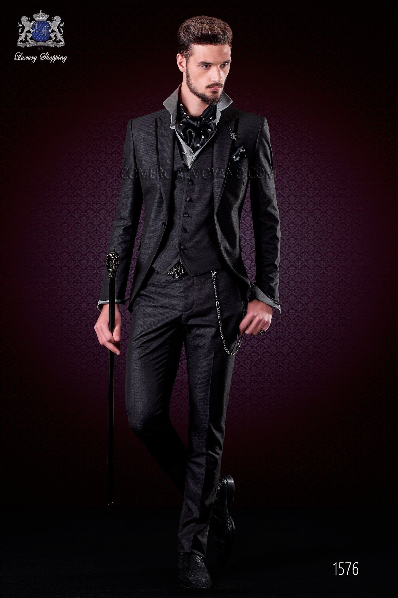 Italienische schwarze mode herren anzug spitzen revers mit satin