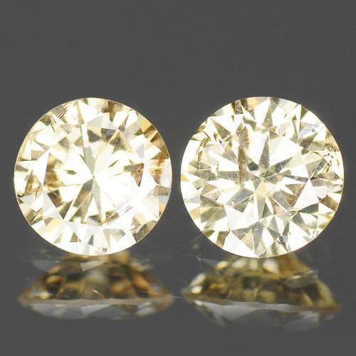 Set van twee champagnekleurige diamanten van 0,20 karaat