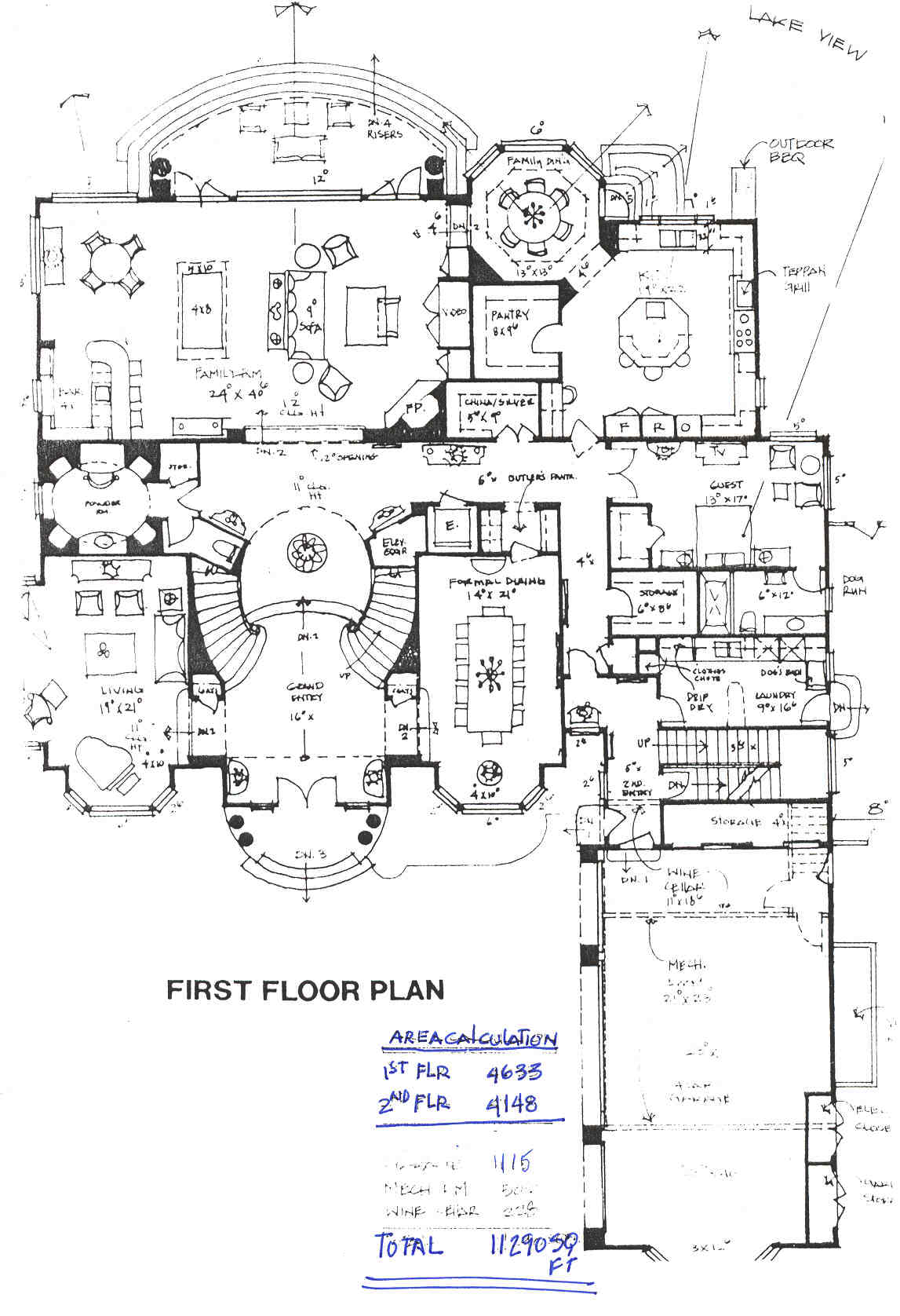 I D Use That Guest Room As My Study But This Layout Is Pretty Perfect Mansion Floor Plan House Floor Plans Luxury House Plans