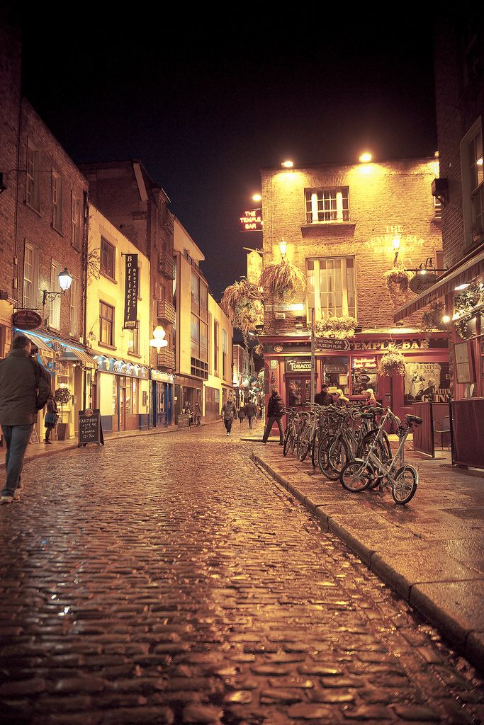 Dublin, Temple Bar.......
