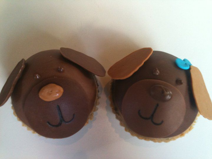 http://cupcakestakethecake.blogspot.com/2011/09/sweet-potato-cupcakes-samoa-cotton.html