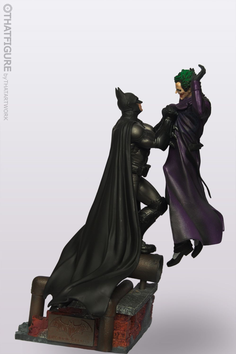 Statue included in the Collectoru0027s Edition of