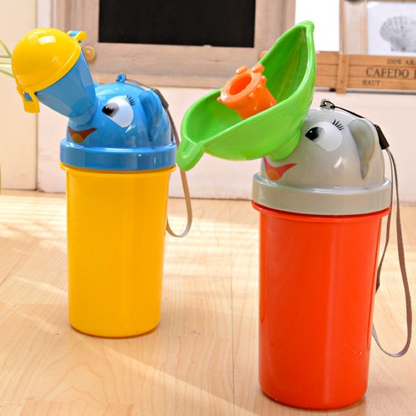 D631 Children's urinal on board portable baby urine bottles Leakproof chamber pot Baby male, the female baby urinal-in Toys & Hobbies on Aliexpress.com | Alibaba Group