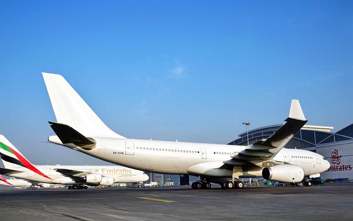 Lataa kuva Airbus A380, Matkustajakoneiden, 4k, lentokenttä, lennolle, Emirates, Boeing 777, Airbus