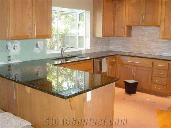 Kitchen Tile Backsplash Ideas With Maple Cabinets   Maple ... on Kitchen Tile Backsplash Ideas With Maple Cabinets  id=66254
