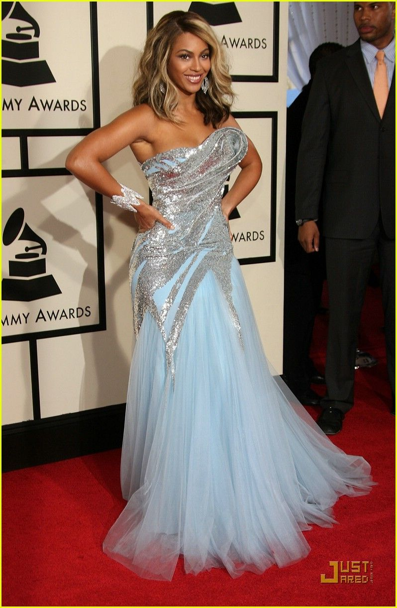 Beyonce in Ellie Saab @ the 2008 Grammys. Most people didn\'t care ...