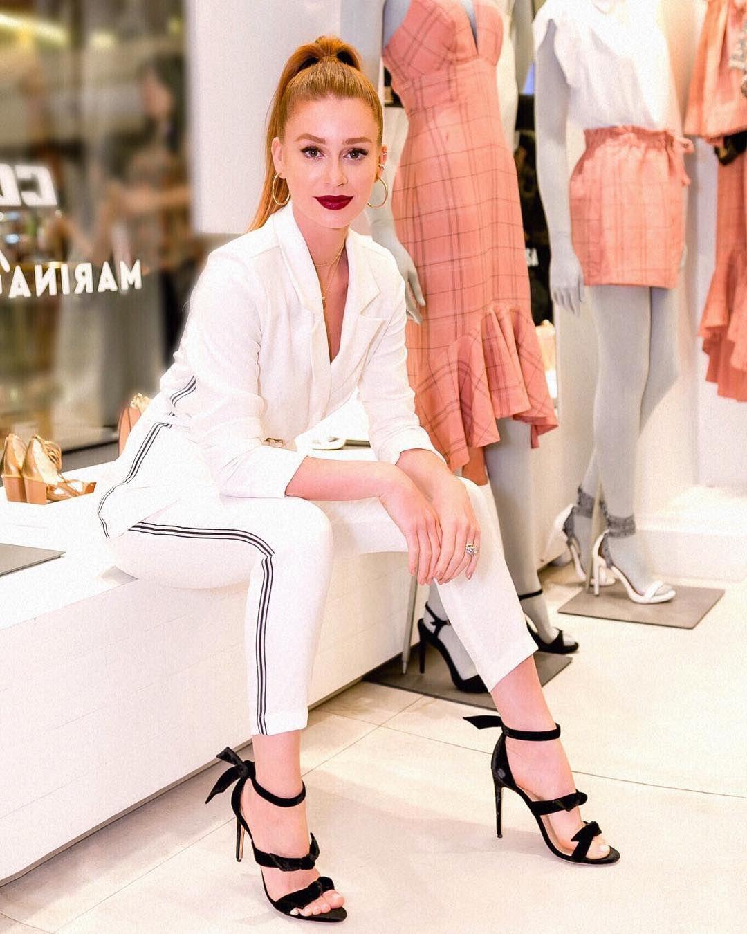 6eb6834b2 Ontem durante o meu lançamento #ColcciporMarina e as peças já estão nas  lojas e no e-shop @colccioficial (P