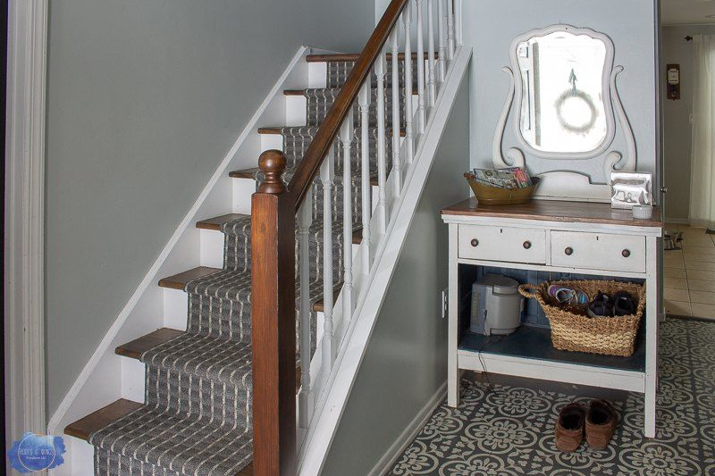 How To Makeover An Easy Diy Staircase On A Budget Diy Staircase Diy Staircase Makeover Staircase Makeover