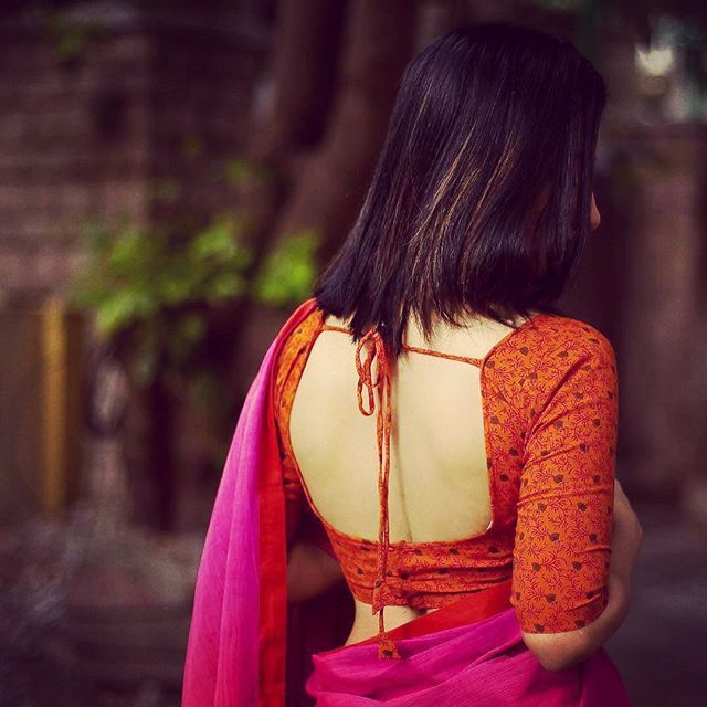 Blouse Back Neck Designs with Borders – 10 Creative Ideas #blousedesigns