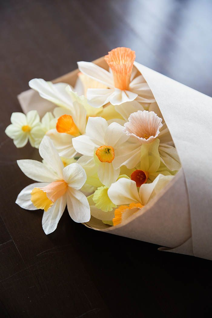DIY Paper Daffodil Tutorial by Kate Alarcon at Design*Sponge #diy #paperflowers
