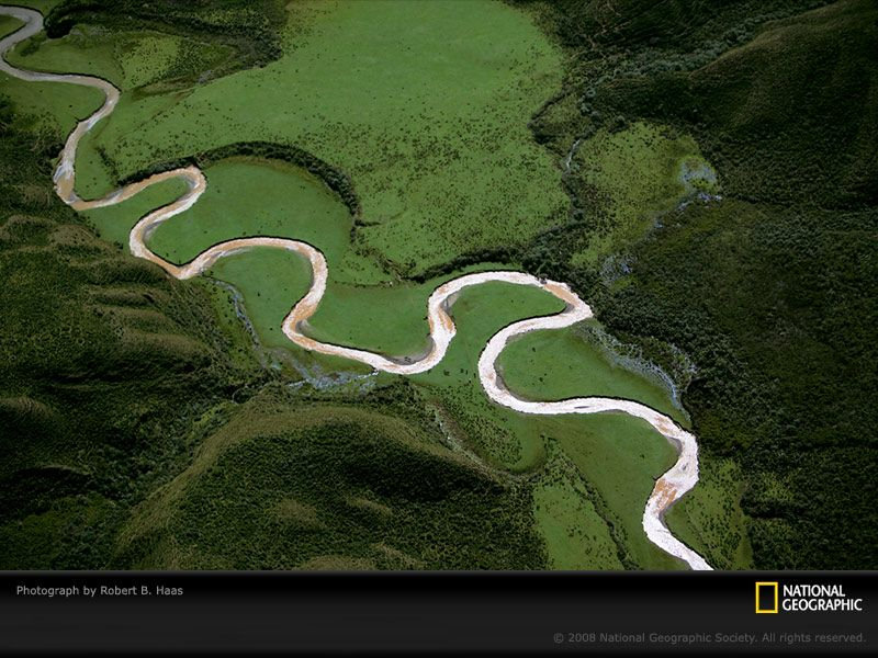 A bird'seye view captures the serpentine course of a